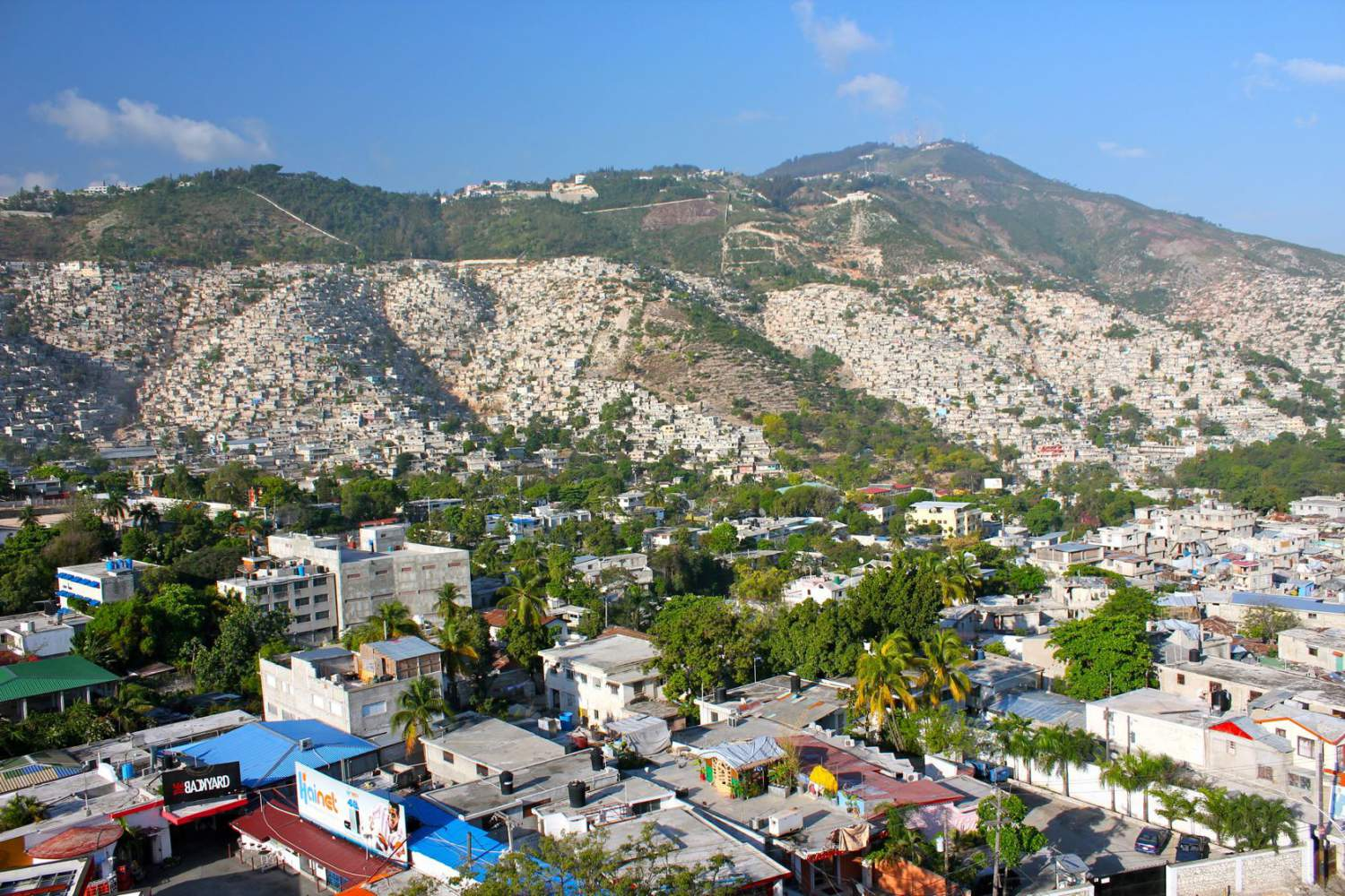 a haiti vacation experience Haiti is a piece of paradise taken straight from the movies, with turqoise waves gently lapping at golden shores, misty mountaintops peeking through lush vegetation and spectacular sunsets blanketing the landscape in vivid color.