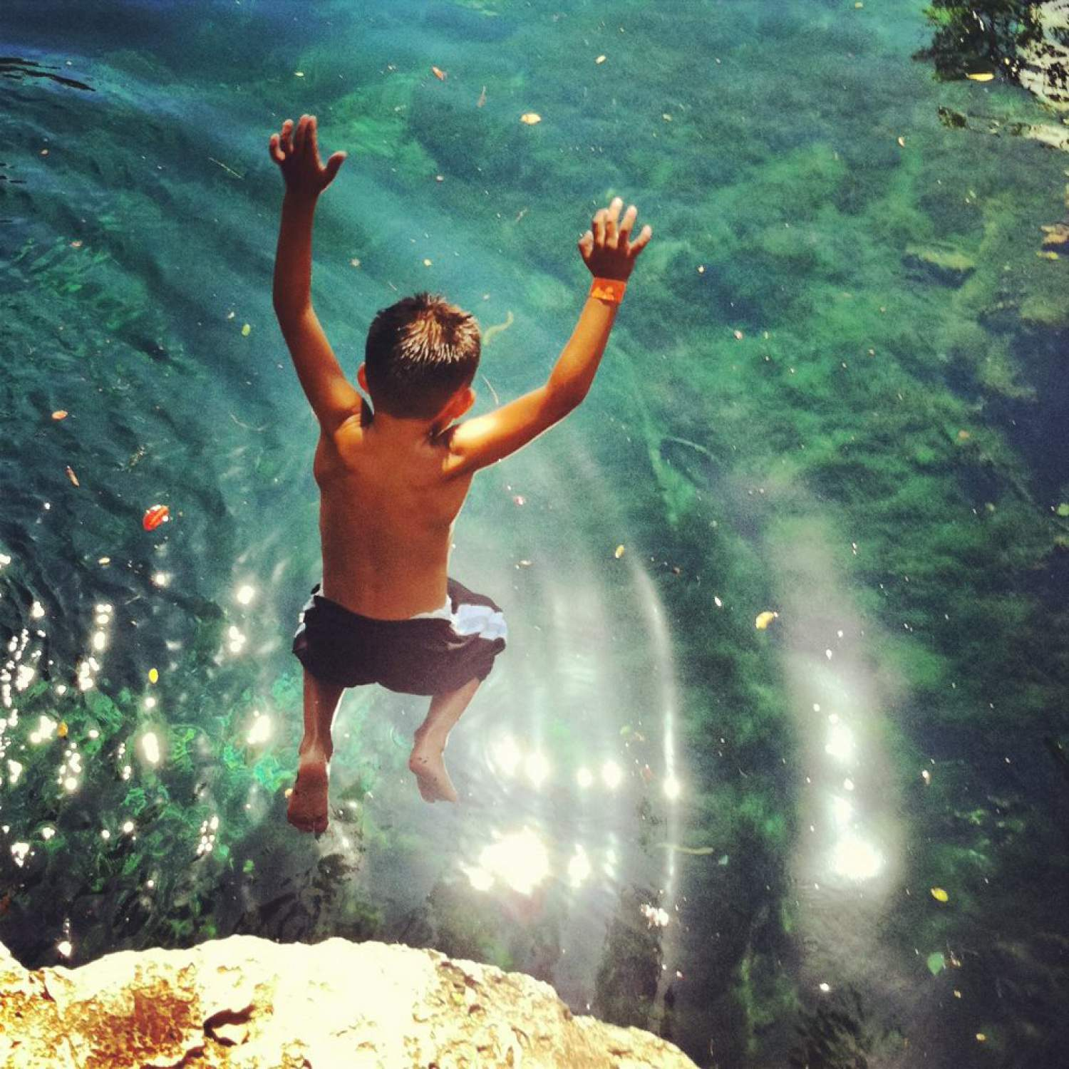 Jumping into a Cenote in Mexico, a thing to absolutely do!