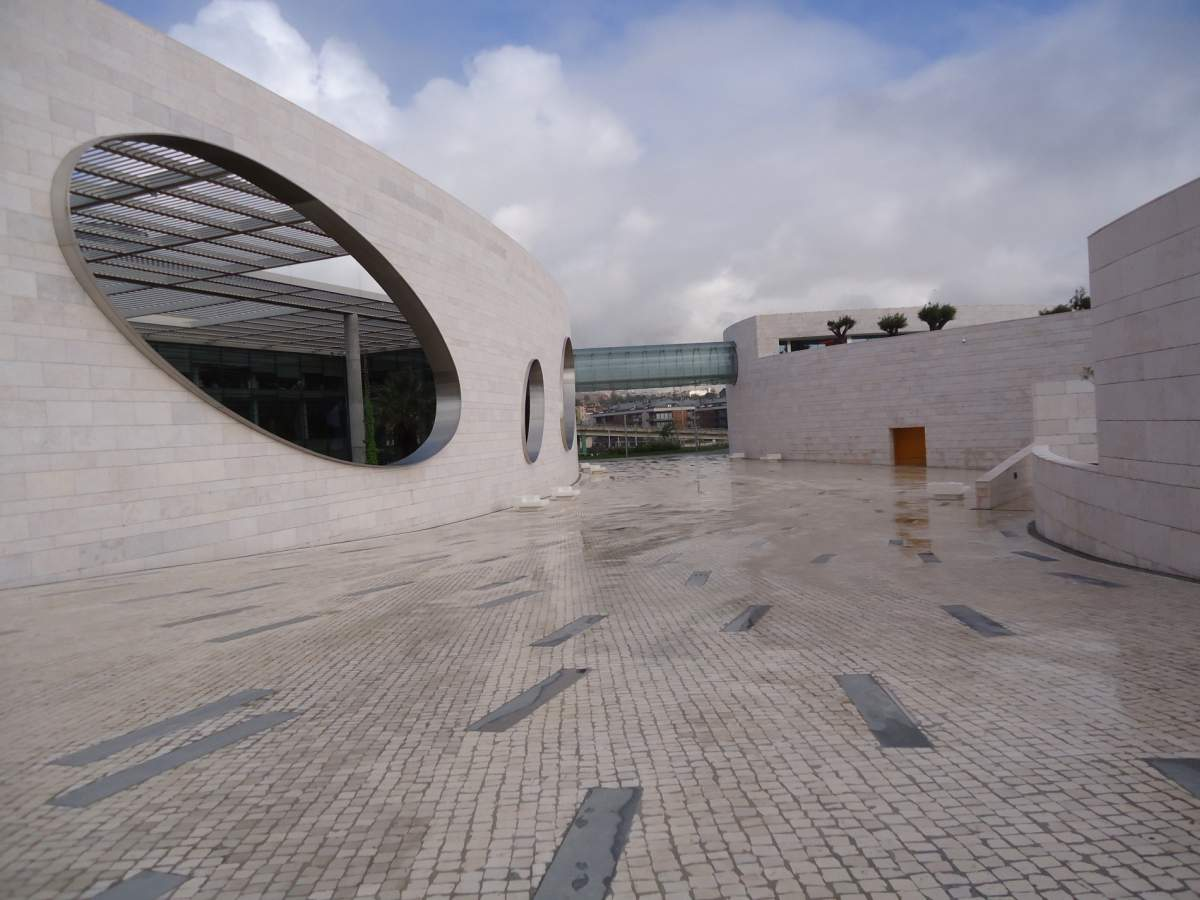 Champalimaud - Photo by Carlos Luis M C da Cruz under CC BY-SA 3.0