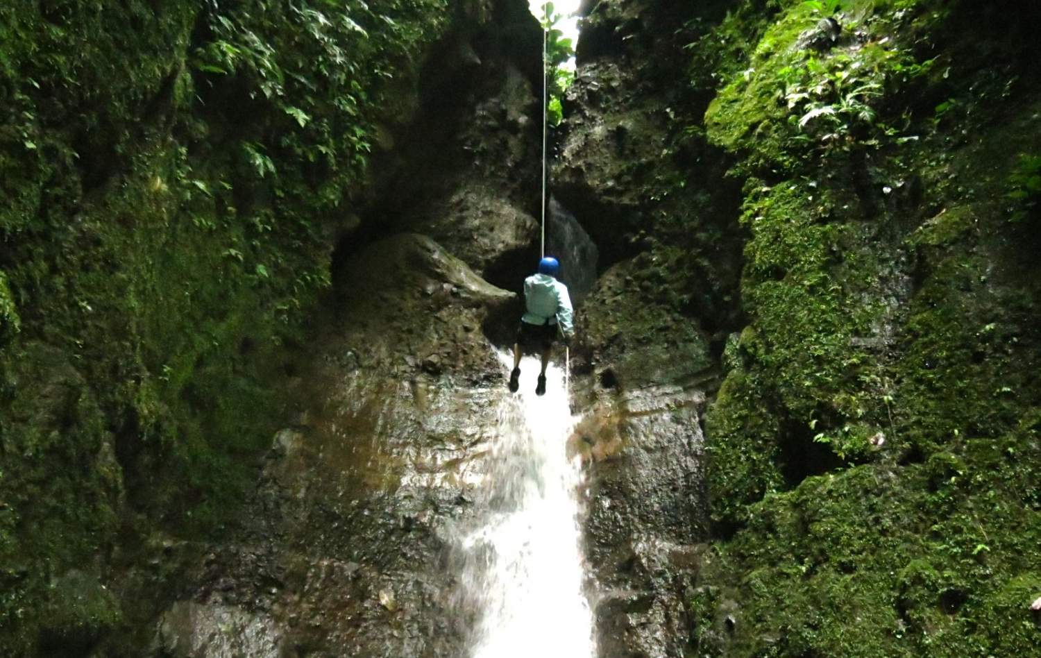 Add adventure in your wedding travel with rappelling