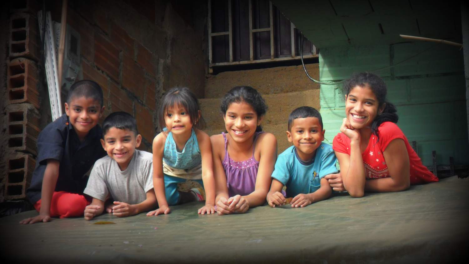 Kids smiling in Colombia