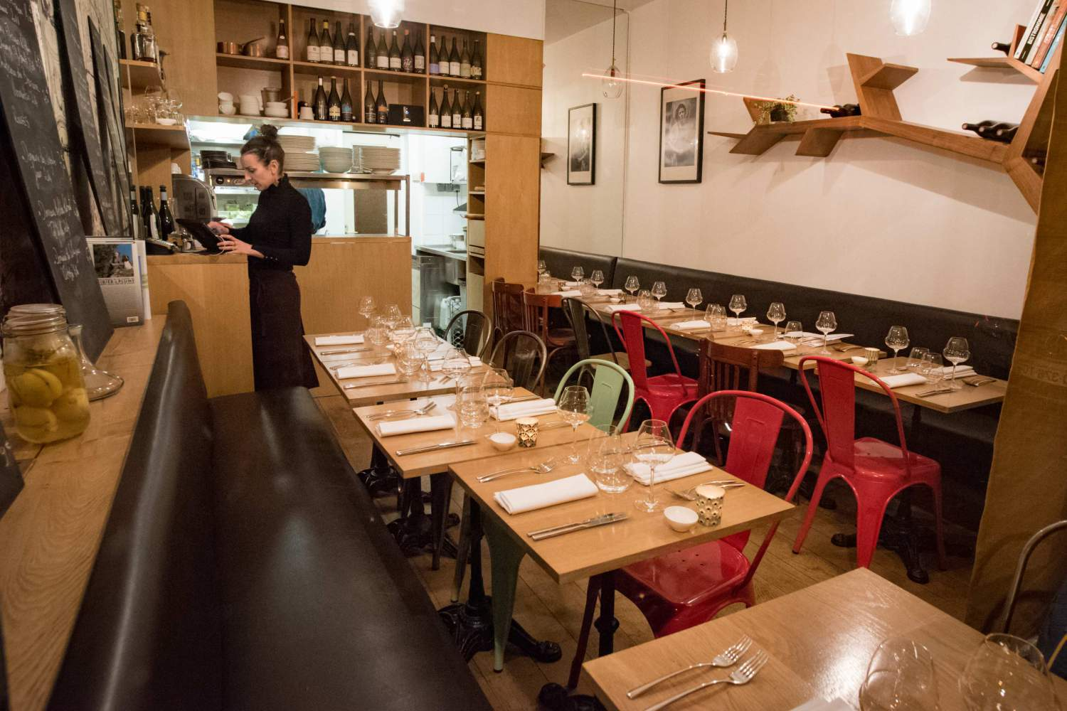 Tiny restaurant of Paris, Le Timbre