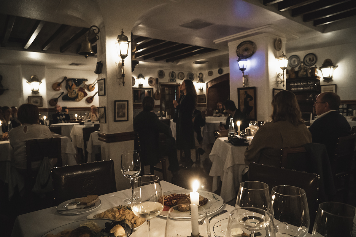 lisbon_portugal_fado_music_restaurant