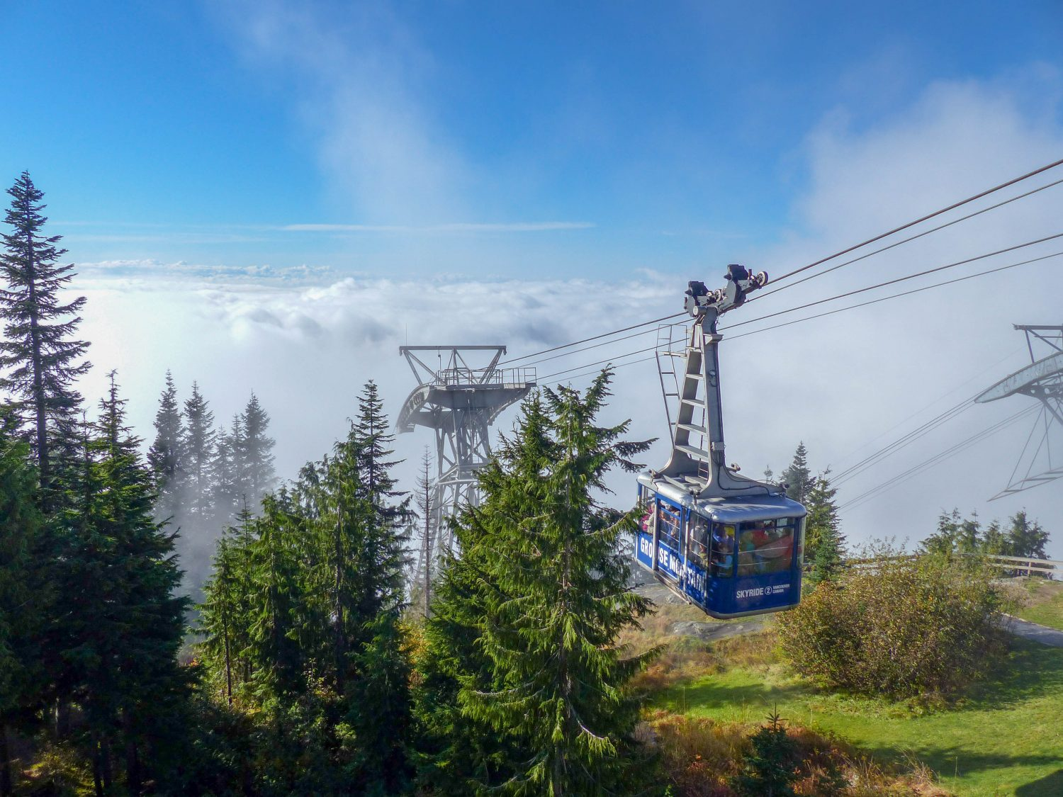 Grouse Mountain chairlift - Vancouver un autumn