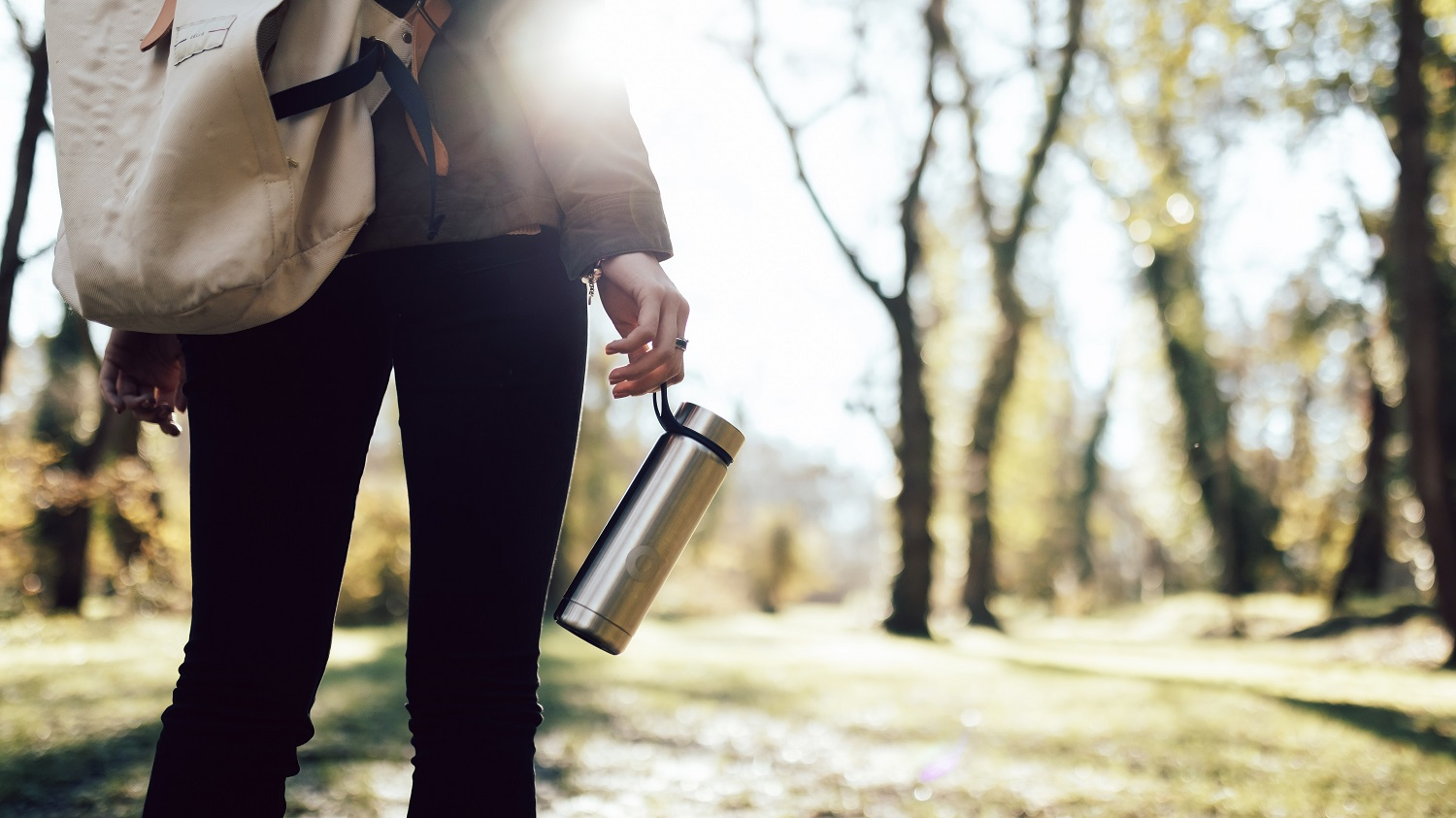 Zero waste travel and reduce waste while traveling - reusable bottle
