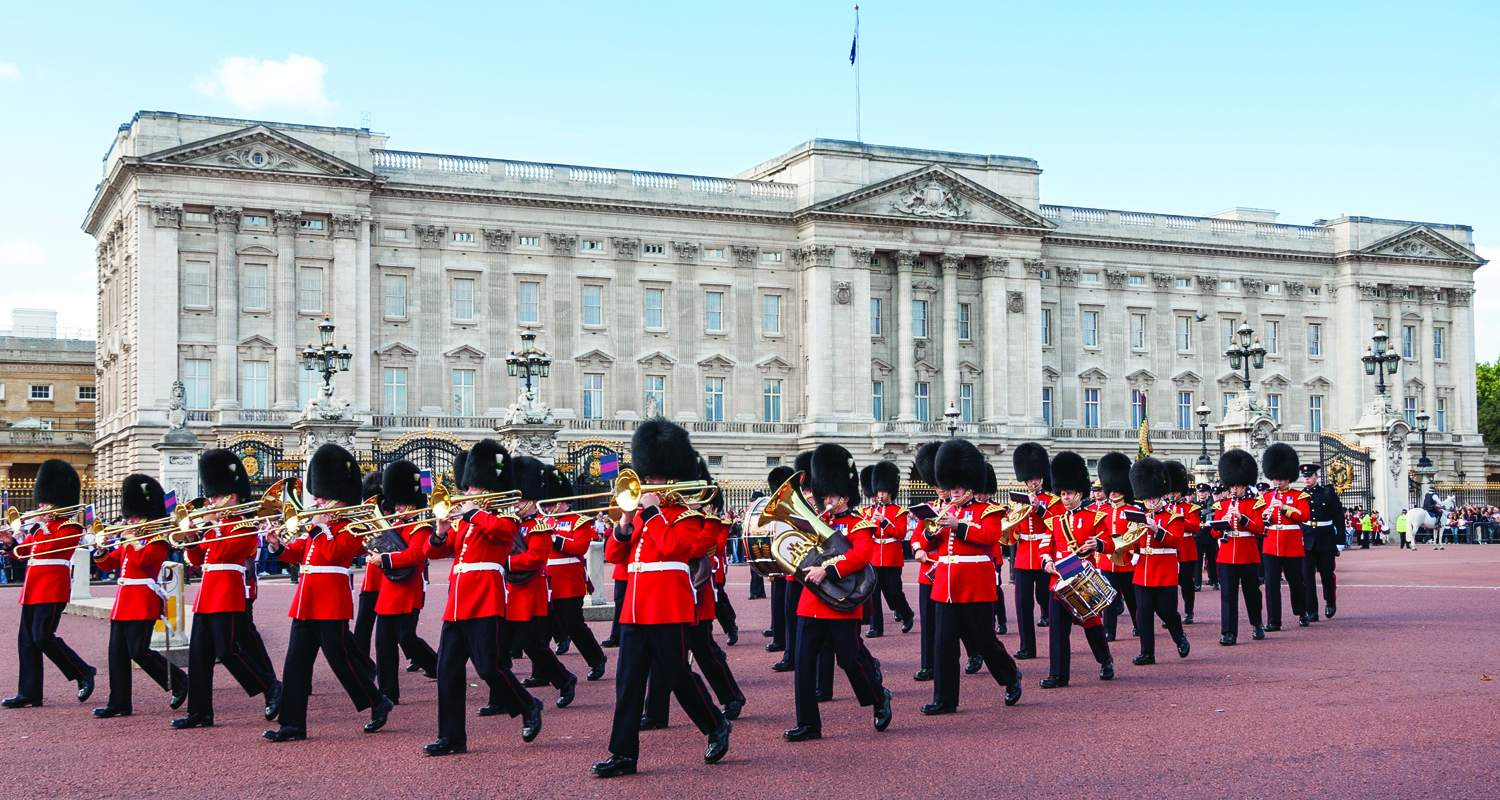 A must in London: the Buckingham Palace!