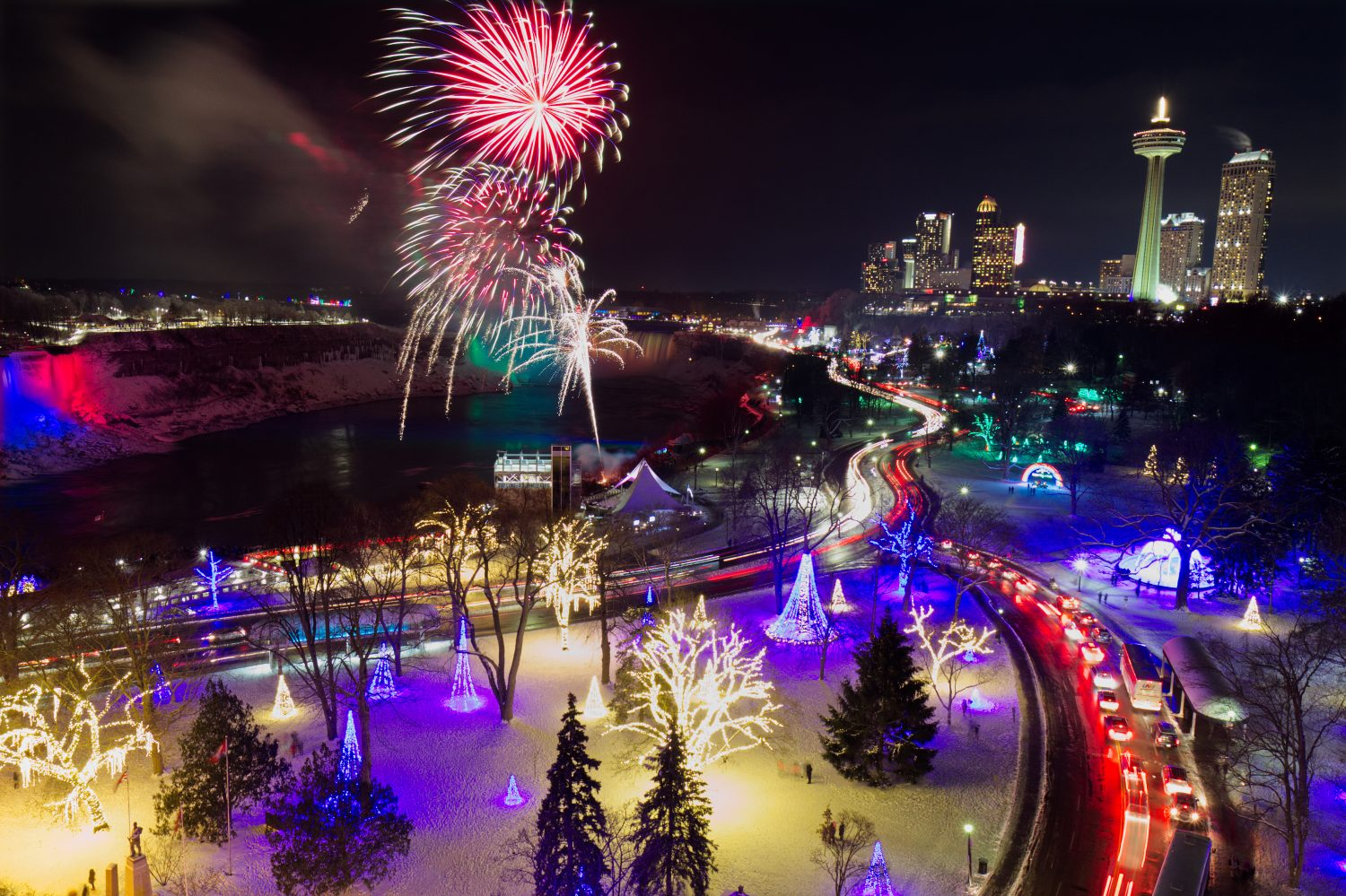 Niagara Parkway - How to spend the holidays in Toronto