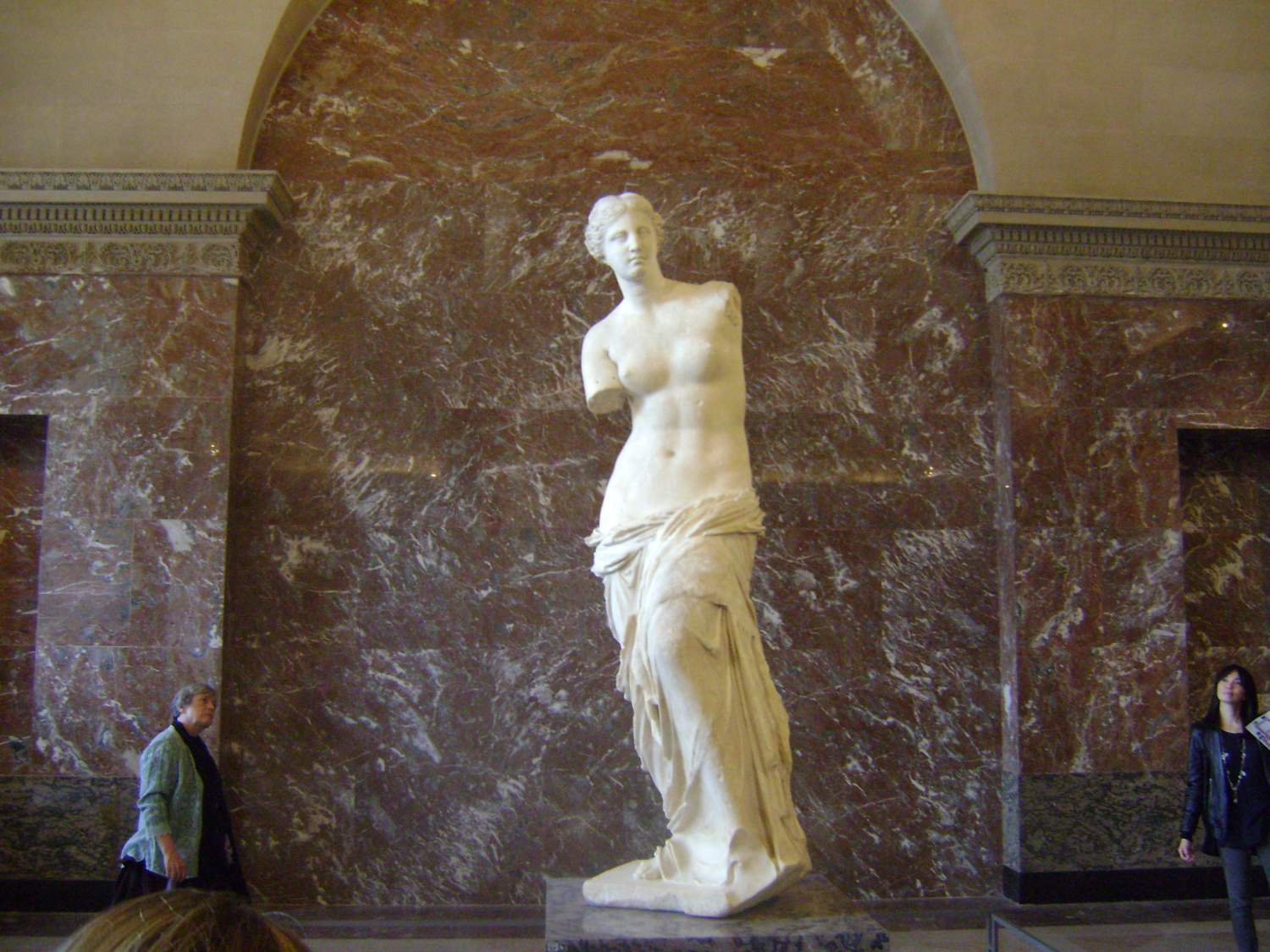 Venus de Milo's sculpture in the Louvre