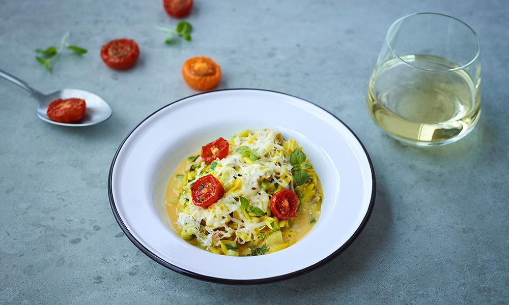 Risotto d'orzo au fromage et tomates